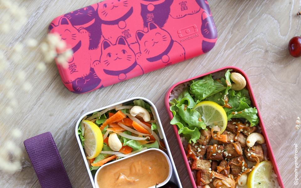 Petite salade Thaï et tempeh à la sauce cacahuète