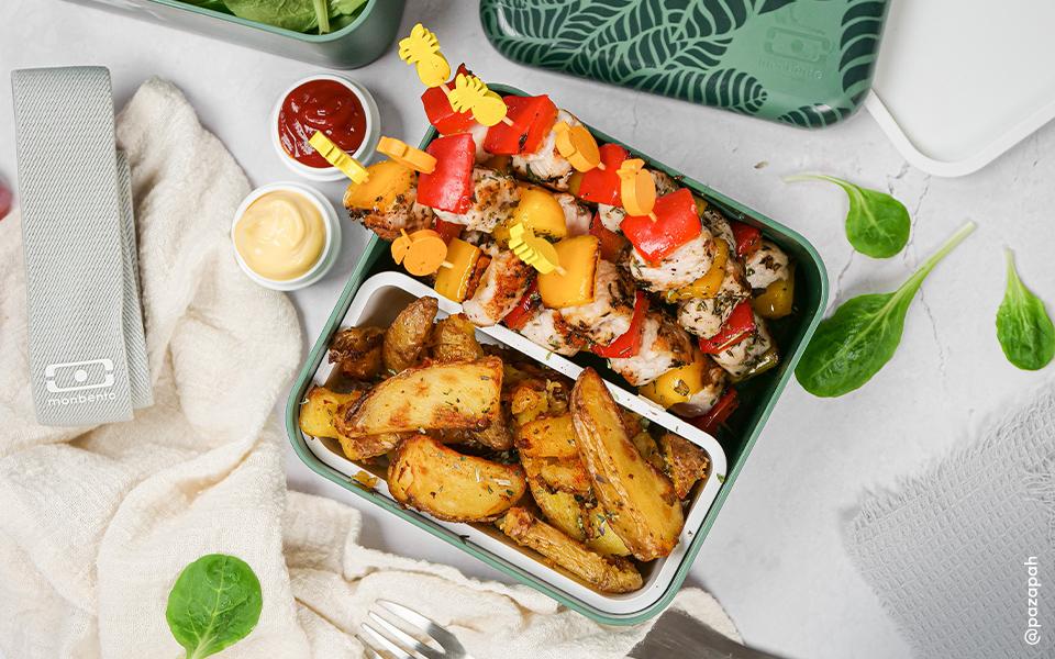 Brochettes poulet/poivrons et potatoes maison aux épices