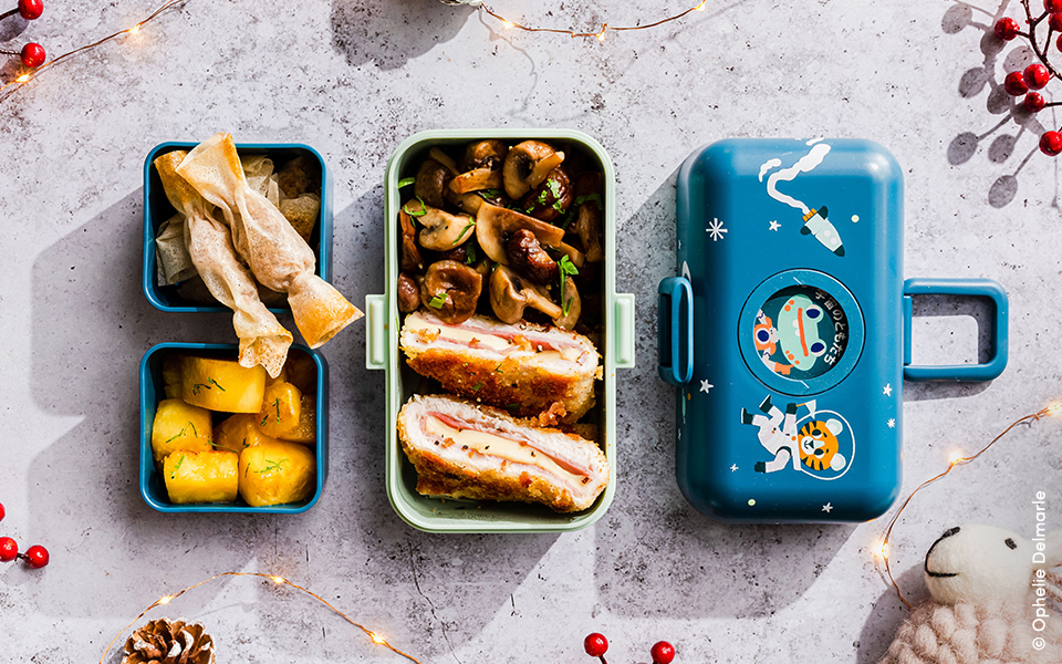 Bonbons feuilletés au thon et à la mozzarella, cordon bleu de dinde, marrons et champignons et ananas rôti au miel